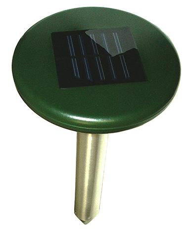 I Ecosniper-mollrepellerlinjen drivs endast en modell av ett solbatteri - SM-153.