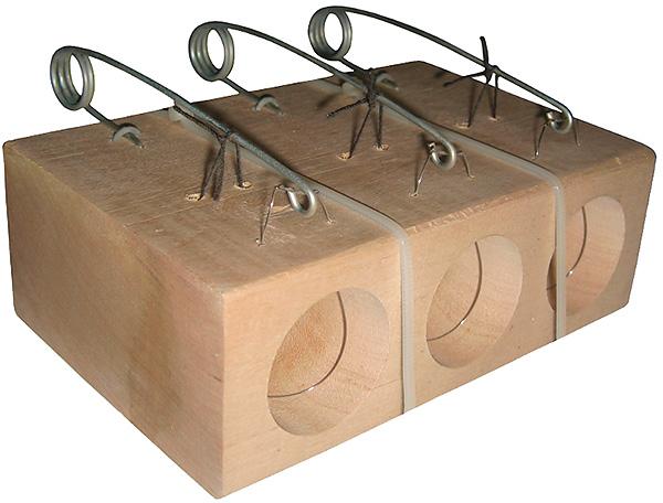 Loopfällan används inte bara för att fånga mol i trädgården utan också för att fånga möss och råttor i huset.