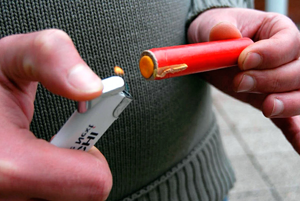 A petárdák használata alig tekinthető humánus eszköznek a vakondok leküzdésére ...