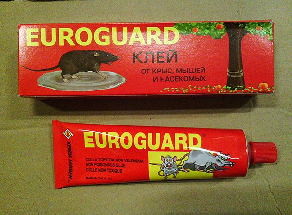 Colle de production italienne contre rats, souris et insectes Euroguard.