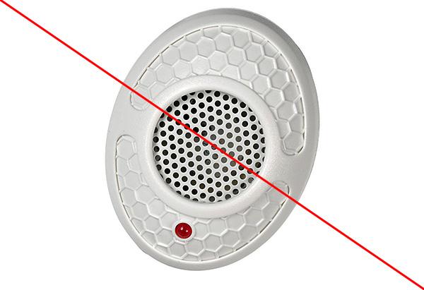 A rágcsáló-riasztók leple alatt értékesített olcsó csecsebecsék gyakran csak a LED villogásával csinálnak semmit.
